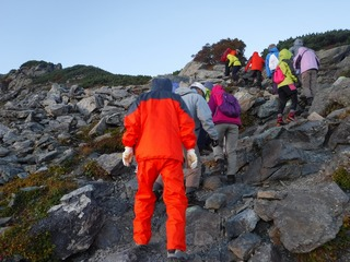 山頂までの登山風景.jpg