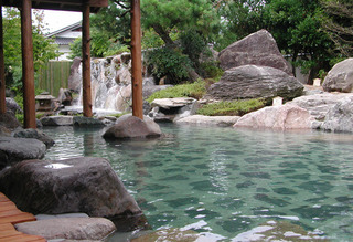 日本庭園風呂.jpg