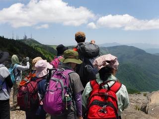 王ヶ鼻で山の説明.jpg