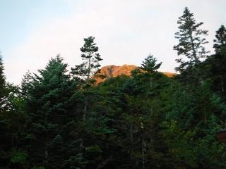 赤く染まった山頂.jpg